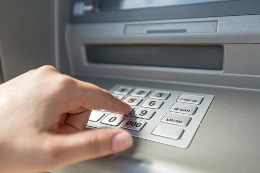 sami sulieman tipsar om hur du bör handskas med ditt bankkort
